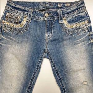 Miss Me 28 Cuffed Capri Blingy Bead Raw Hem Jeans
